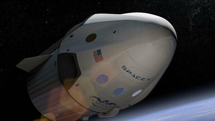 Запуск американского космического корабля Crew Dragon с астронавтами могут вновь перенести