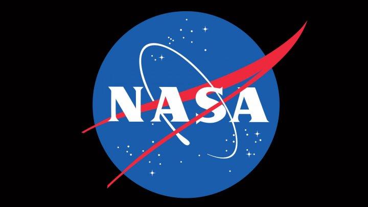 НАСА приостановило контракт с компанией Space X Илона Маска по лунному модулю