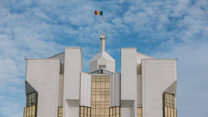 Додон: Ожидается очень интересная неделя, как говорится, флаг в руки и вперед!