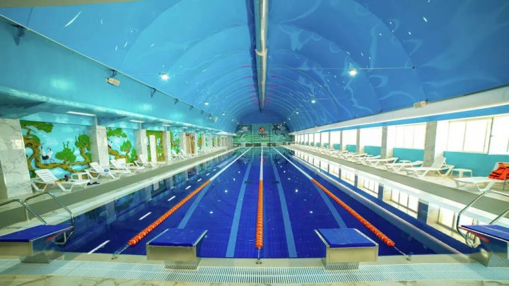 Женщинам запретили посещать самый большой бассейн в Дагестане