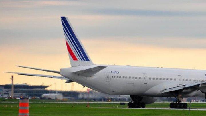 В отсеке шасси самолета, севшего в Париже, нашли мертвого ребенка