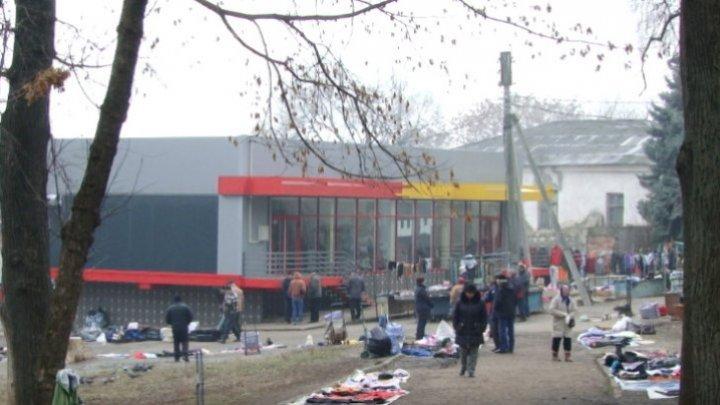 В Бельцах экономический агент намерен открыть над туалетом суши-бар: реакция представителей власти