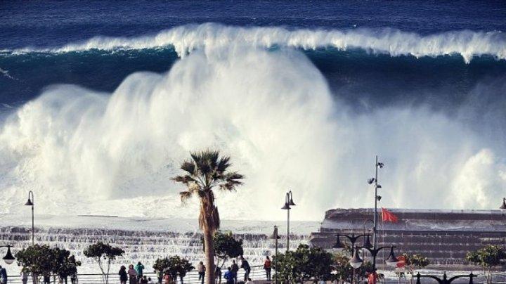 Сильный шторм в Испании: волны поднимались до семи метров