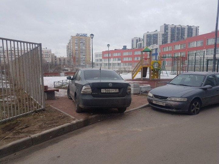 Граждан Молдовы проучили в Санкт-Петербурге за неправильную парковку (ФОТО)