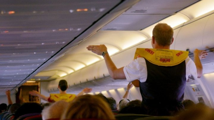 Выжившие пассажиры рассказали, как спастись при авиакатастрофе