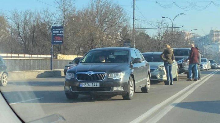 На бульваре Григоре Виеру в столице произошла цепная авария (ФОТО)