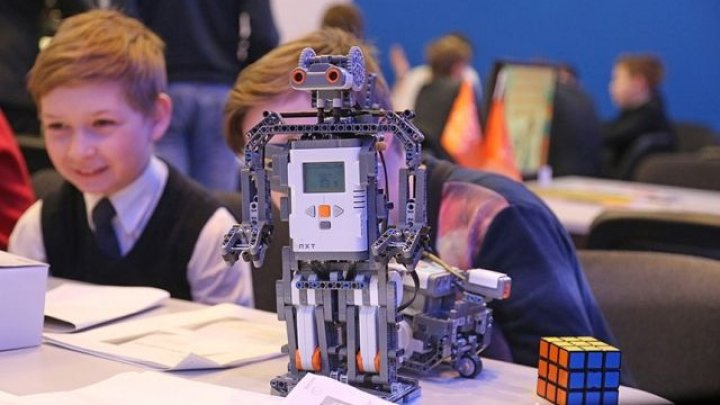 В Кишиневе проходит конкурс робототехники