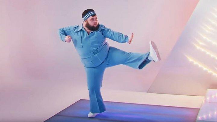 """Пухляш"" из клипа Little Big станцевал на шоу Урганта (ВИДЕО)"
