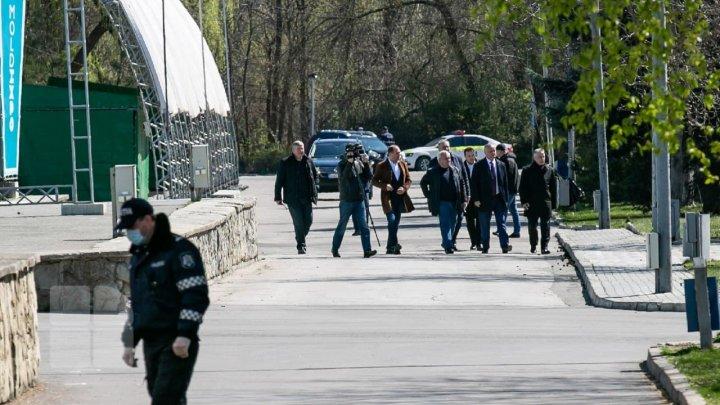 Президент проинспектировал работы по обустройству карантинного центра на Moldexpo