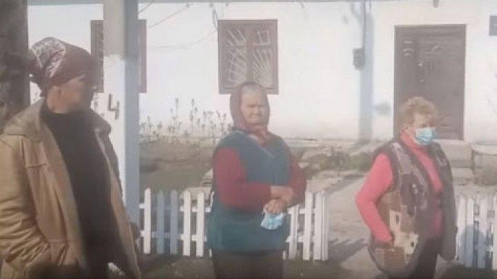 Жители села под Одессой пытались выгнать из дома мужчину, который вернулся из Чехии