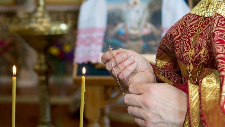 В Украине от коронавируса умер священник: под угрозой заражения более 500 человек