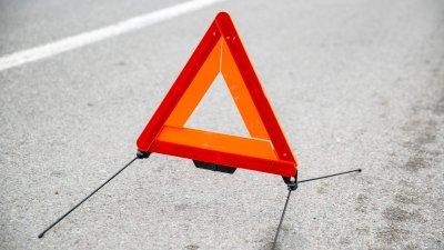 ДТП на Мунчештском шоссе: водитель пострадал, врезавшись на машине в дерево