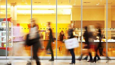 BREAKING NEWS: Подарок перед 8 марта: торговым центрам разрешили работать по выходным