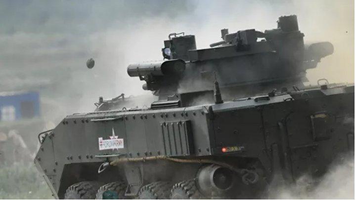 В России создали материал, маскирующий военную технику
