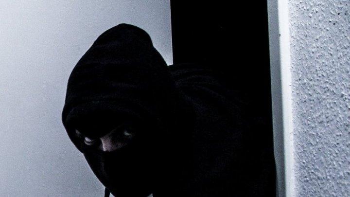 В столице грабитель ворвался в офис кредитной организации