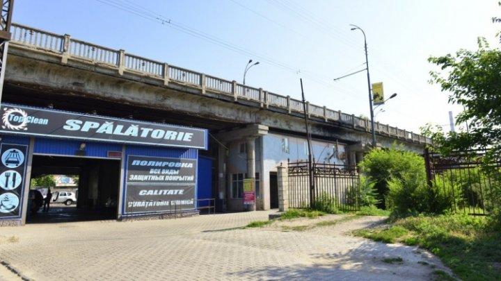 Комиссия мэрии Кишинева оценивает состояние мостов в городе