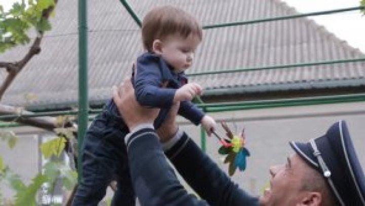 Пограничная полиция создала эмоциональный видеоролик ко Дню защиты детей (ВИДЕО)