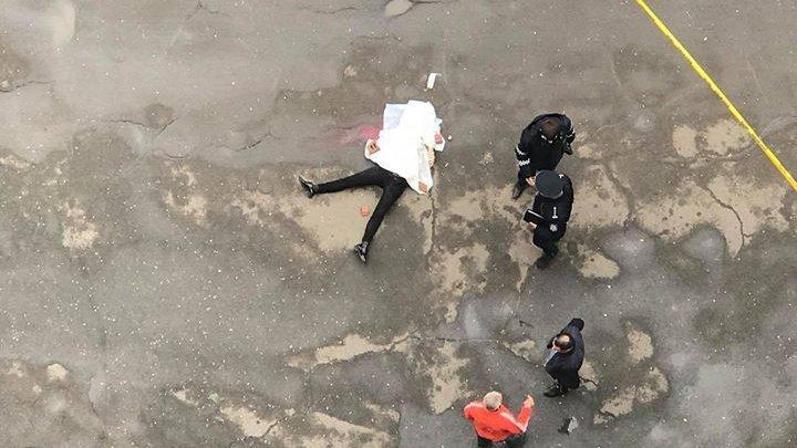 В столице девушка выпала с 16 этажа жилого дома: зона оцеплена