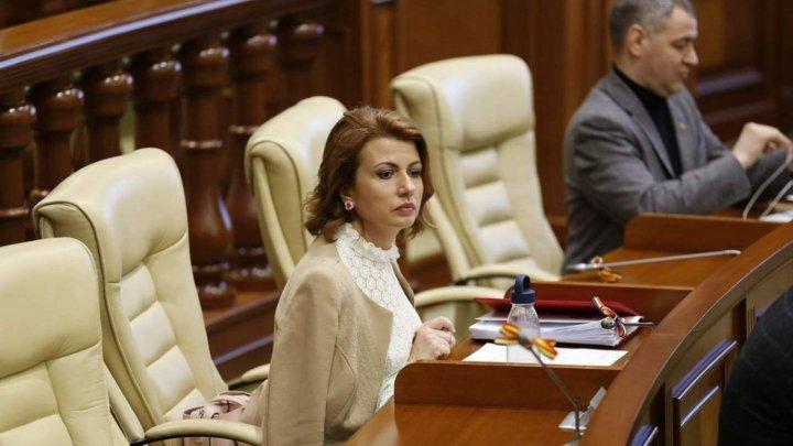 Ряды Платформы достоинства и правда редеют: о выходе из партии объявила Арина Спэтару