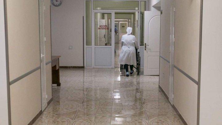 В столичной больнице Святой Троицы открыли дополнительное отделение для тяжелобольных пациентов