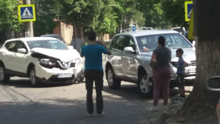 Машина с дипломатическими номерами попала в ДТП на Ботанике