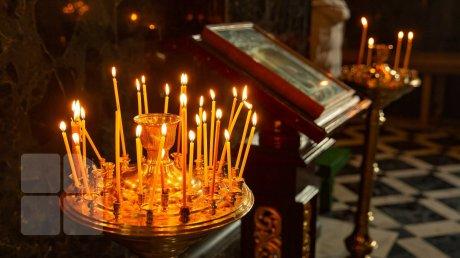На периферии уважают традиции, но помнят об ограничениях: как проходят богослужения в Хынчештах и Сэрата Галбенэ