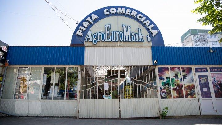 """Рынок """"Дельфин"""" в столичном секторе Буюканы хотят закрыть: местные власти назвали причину (ФОТО)"""