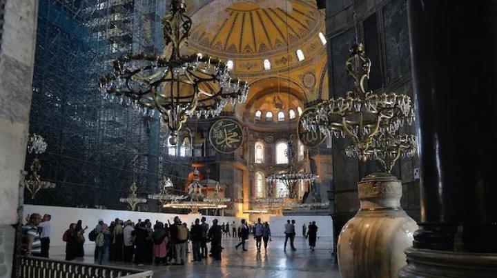 Собор Святой Софии в Стамбуле снова стал мечетью (ДОКУМЕНТ)