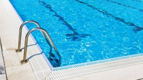 1000 леев за день у бассейна: жара погнала людей к воде, многие денег не считают