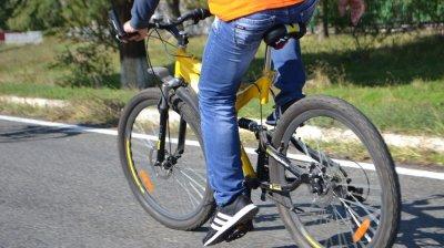 Велосипедный марафон с благородной миссией: два кишиневца собирают средства на тёплые обеды для малоимущих