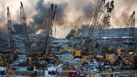 Скульптура из обломков: в Бейруте открыли памятник жертвам разрушительного взрыва в порту