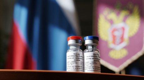 Сотрудники посольства Молдовы в России получили прививки от коронавируса