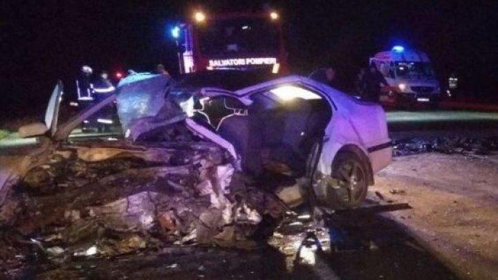 ДТП в Рышканском районе: двое взрослых и ребенок погибли на месте (ФОТО)