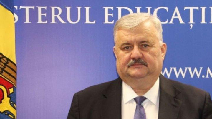 Министр просвещения Игорь Шаров запретил предвыборные встречи в школах (ДОКУМЕНТ)