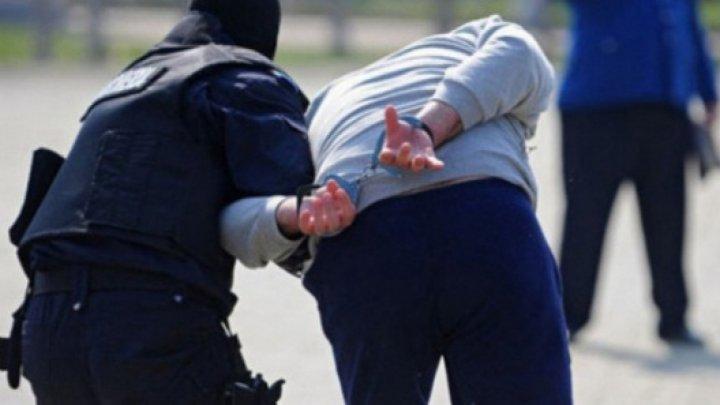"""Избили за """"долги"""": пять человек задержали за сведение счётов с мужчиной из другой банды"""