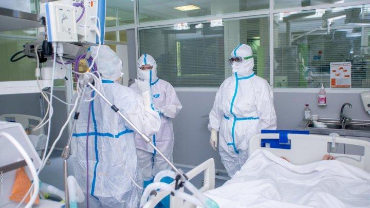 Врачи призывают граждан сдать кровь для спасения пациентов с COVID-19