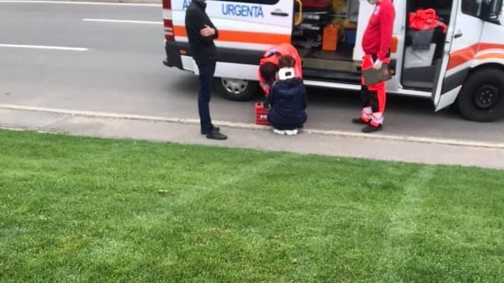 Неуправляемый автомобиль наехал на женщину на Чеканах (ФОТО)
