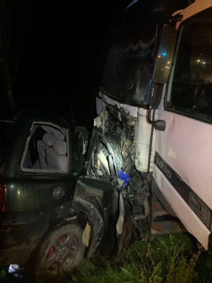 Смертельная авария в Оргеевском районе: легковушка врезалась в фуру (ВИДЕО)