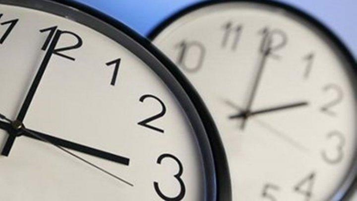 Будем спать на час дольше: Молдова переходит на зимнее время