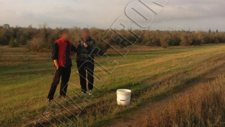 На границе с Украиной задержали двух невнимательных грибников