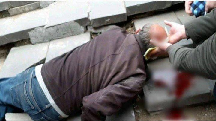 Подземный переход или комната страха? В столице мужчина, спускаясь по лестнице, разбил себе голову (ФОТО)