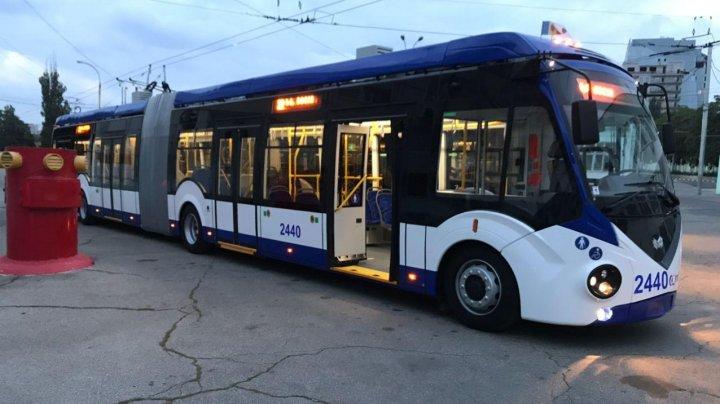 В связи с забастовкой перевозчиков на линии выпустят больше троллейбусов и автобусов