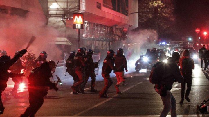 """Неофашисты устроили беспорядки в центре Рима, протестуя против """"санитарной диктатуры"""""""