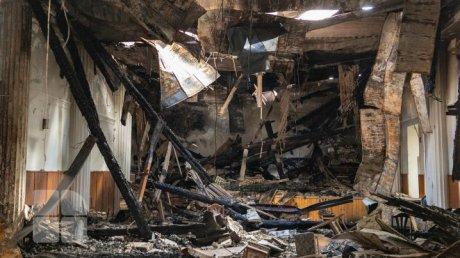 Год с момента пожара в Национальной филармонии: здание по-преждему в руинах