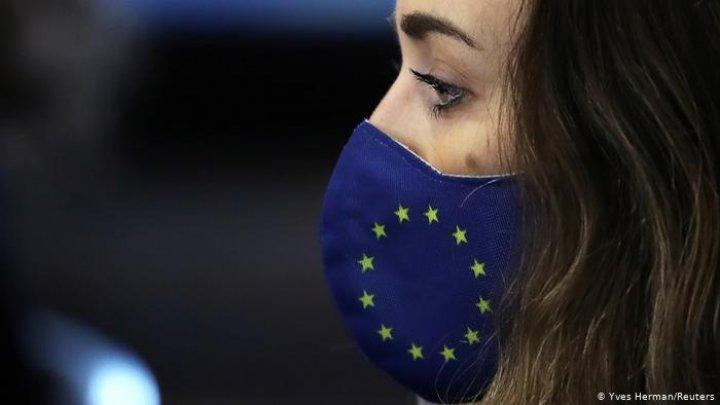 Глава Еврокомиссии признала, что закрытие границ не останавливает вирус