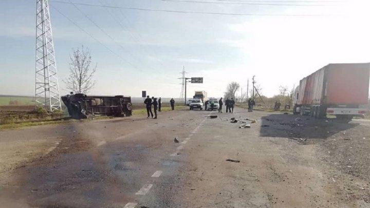 Страшная авария в Дондюшанах: один из пострадавших умер в больнице, другая находится между жизнью и смертью (ФОТО)