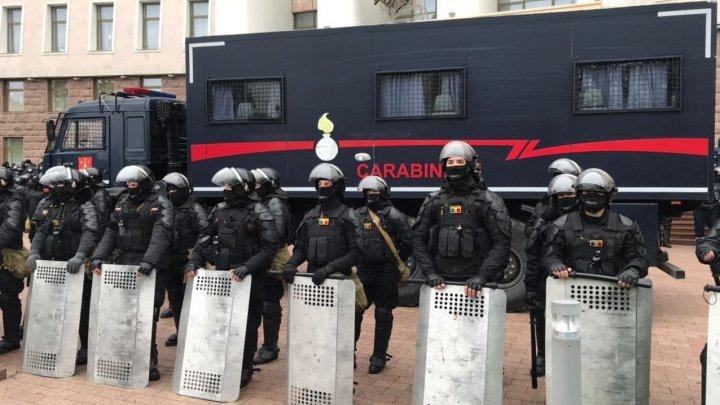 Игорь Додон - Майе Санду: Не отчитывайте полицейских, скоро им придется защищать вас от протестующих