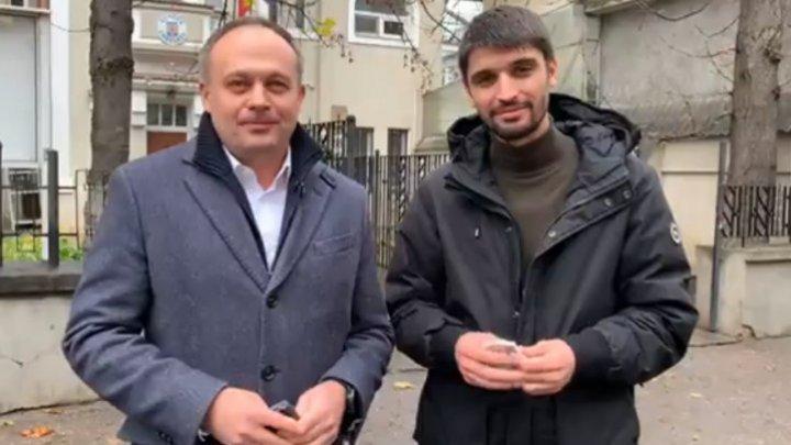 Парламентские выборы  в Румынии: Андриан Канду и Вячеслав Шарамет выступили с призывом к молдаванам с двойным гражданством