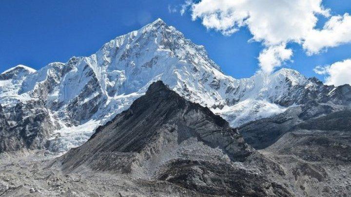 Два альпиниста погибли, пытаясь покорить Эверест