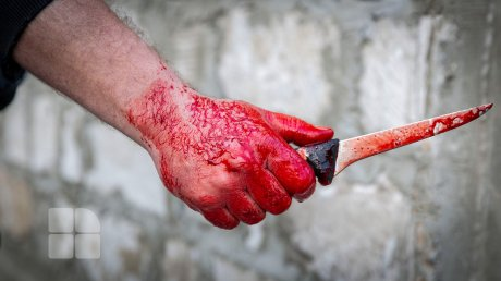 Житель Бессарабки зарезал приятеля посреди улицы